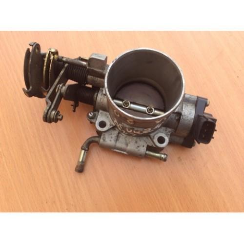 Дроссельная заслонка 2.0i бензин HITACHI (4620, SERA48306)