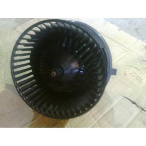 Моторчик печки  (93BW18515AB)