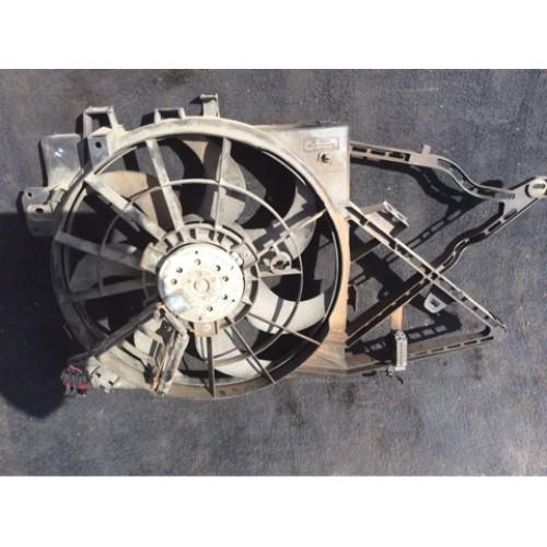 Вентилятор радиатора 1.6 V16 бензин BOSCH (0130303821, 52464738, 52464741)