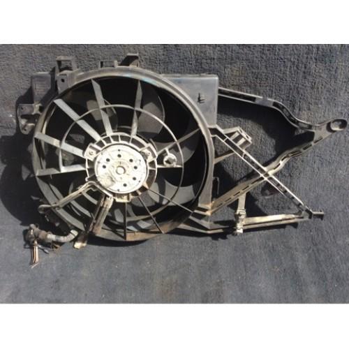 Вентилятор радиатора 1.8 V16 бензин BOSCH (0130303921, 52464738, 52464741)