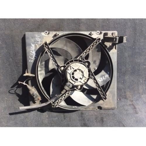 Вентилятор радиатора 2.0 бензин (7700B40239D, 8240178)