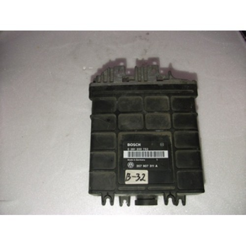 Блок управления двигателем (ЭБУ) 1.8 ABS BOSCH (0261200752, 357907311A)