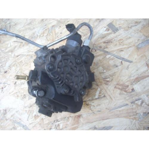 Топливный насос высокого давления (ТНВД) 3.0 DCI V9X BOSCH (0445010225, H8200880546)