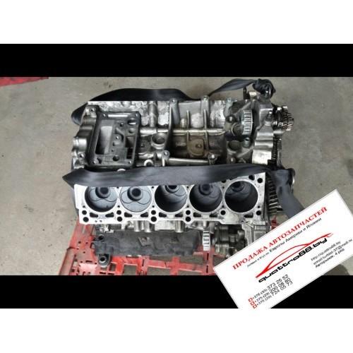 Блок двигателя (картер) 5.0 TDI V10 AJS