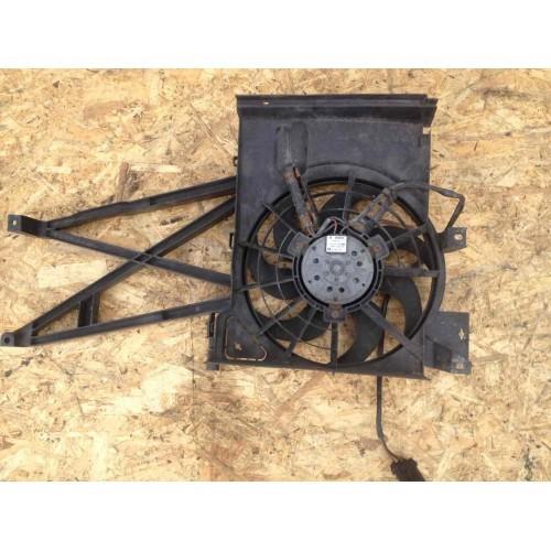 Вентилятор кондиционера 1.6 V16 бензин BOSCH (0130303855, 52475780, 52475762, 0130303252)