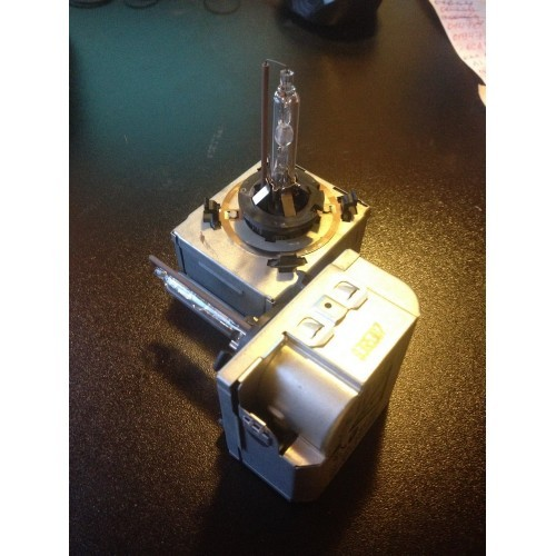 Блок розжига фары ксенон цоколь (5DD00831950)