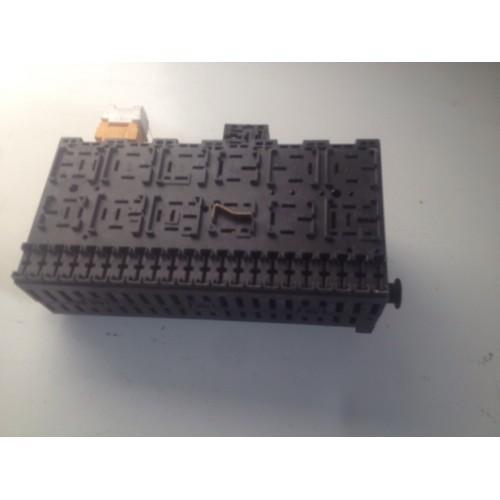 Блок предохранителей BSI  (357937541)