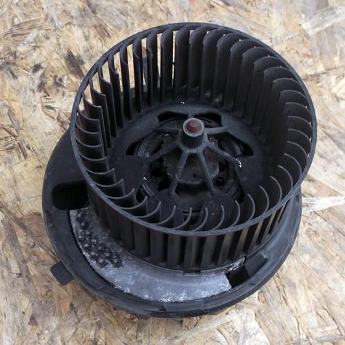 Моторчик печки VALEO (1K1820015)