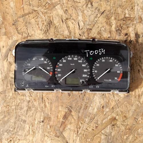 Панель приборная 1.8 бензин Volkswagen Passat B4 3A0919860H, 53923262