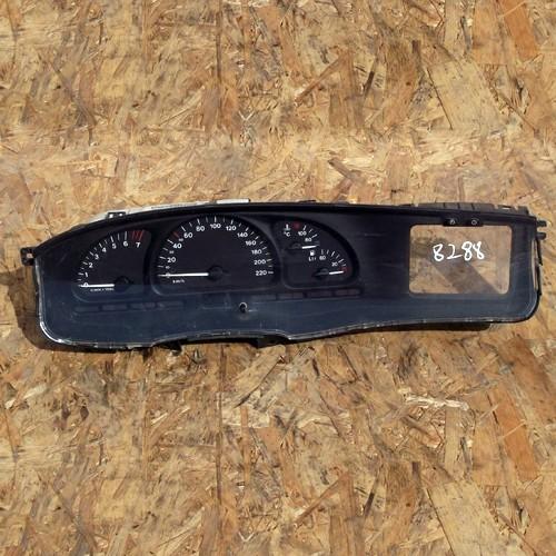 Панель приборная Opel Vectra B 90569785KK, X18XE
