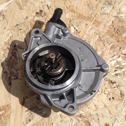 Вакуумный насос 3.0TDi PIERBURG Audi A6 C5 057145100AE