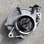 Вакуумный насос 3.0 DCI V9X Nissan Pathfinder III 8200807472