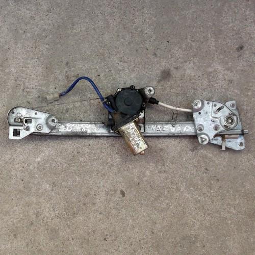 Стеклоподъемник электрический передней правой двери Mazda 626 GE IV 5HB61364, 3630161631