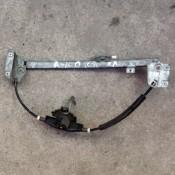 Стеклоподъемник механический задней левой двери Audi 100 C3 443839399A