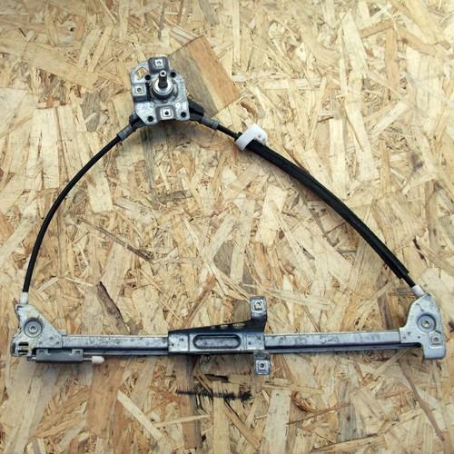 Стеклоподъемник механический передней правой двери Audi 80 B4 8A0837400