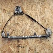 Стеклоподъемник механический передней правой двери Audi 100 C3