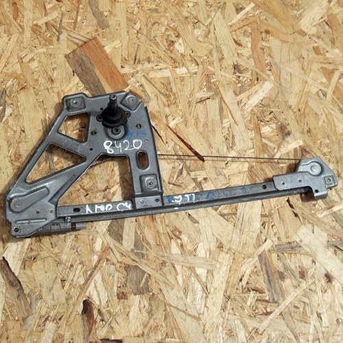 Стеклоподъемник механический задней правой двери Audi 100 C4 4A0839400A