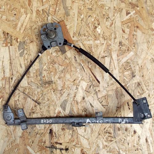 Стеклоподъемник механический передней правой двери Audi 100 C3 443837400B
