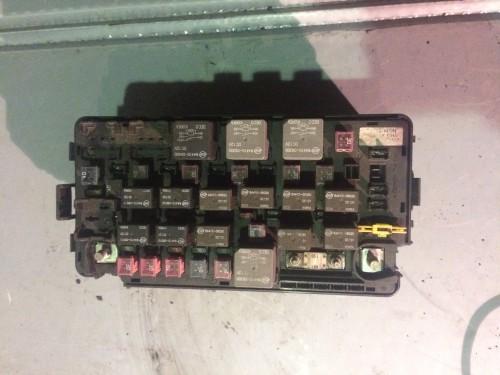 Блок предохранителей BSI моторный 2.0 Xdi, D20DT