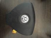 Подушка безопасности Airbag в рулевое колесо Volkswagen Passat B6 3C0880201AF, 61923050A
