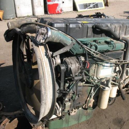 Двигатель (ДВС) D12D