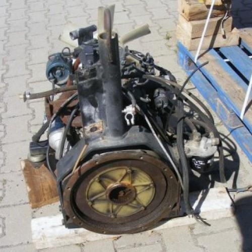 Двигатель (ДВС)  (D905)