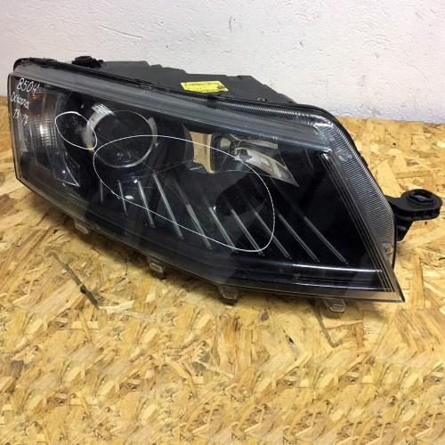 Фара передняя правая Skoda Octavia III 5E2941016B