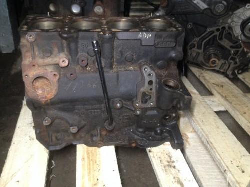 Блок двигателя (картер) 1.6 бензин, ADP (050103021E)