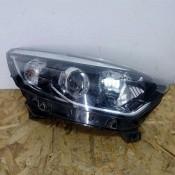 Фара передняя правая Renault Kaptur 260100947R, 0301281212