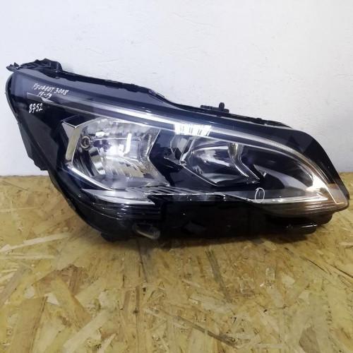 Фара передняя правая Peugeot 3008 II 9810478080