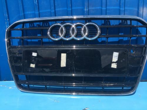 Решетка радиатора Audi A5 S5 8T0853651H