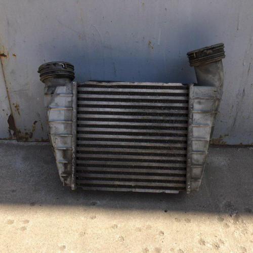 Радиатор охлаждения воздуха (интеркуллер) 5.0TDI Volkswagen Phaeton 3D0145803