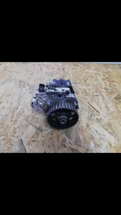Топливный насос низкого давления (ТННД) Volkswagen Crafter 0445010090 BOSCH, 059130755E