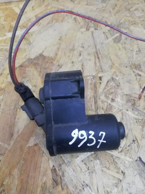 Моторчик ручника Volkswagen Passat B6, Passat B7 32330208D