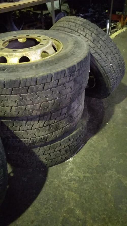 Колеса, диски Колеса для грузовика в сборе 315/70 r 22.5 - 6 шт. MAN TGA Передние continental , Задние cordiant
