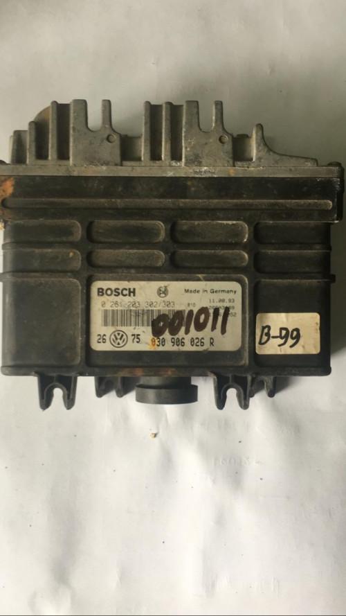 Блок управления двигателем (ЭБУ) Volkswagen Golf III, Vento 0261203302 BOSCH