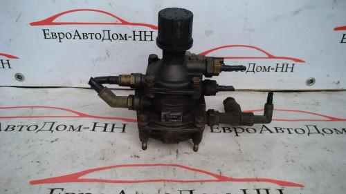 Кран тормозной Кран управления тормозами прицепа Volvo FH12 1607887