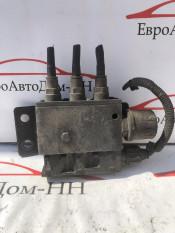 Блок управления пневмоподвеской Клапан уровня пола Главный Volvo FH12 3944716