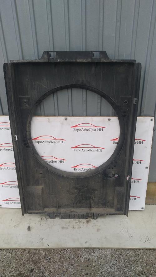 Диффузор вентилятора радиатора (кожух) Iveco Stralis E5 2252611065