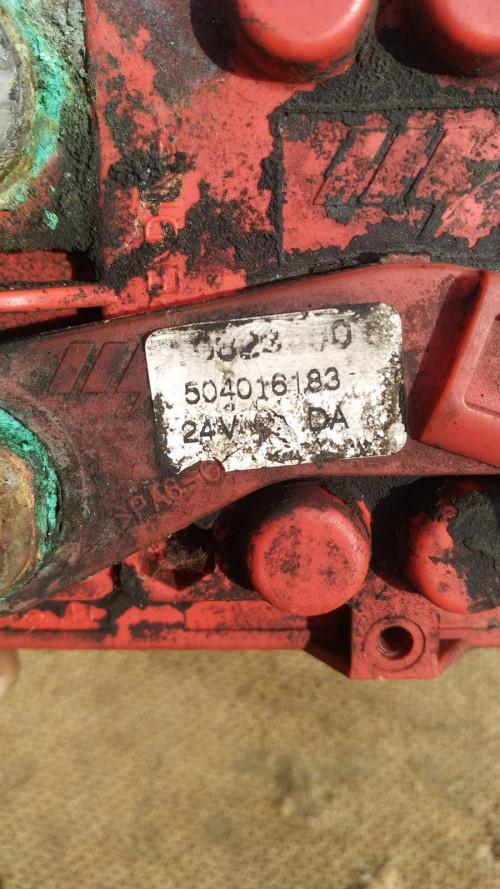 Выключатель массы электронный Iveco Stralis E5 504016183