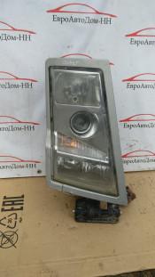 Фара передняя правая Volvo FH12 20713721
