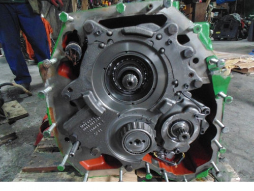 Коробка передач (КПП/МКПП) AUTOPOWER John Deere Трактор 2092401245